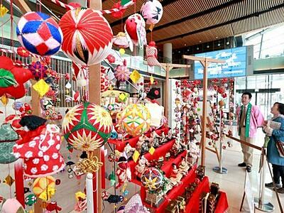柳川伝統のつるしびな「さげもん」展示始まる 新潟