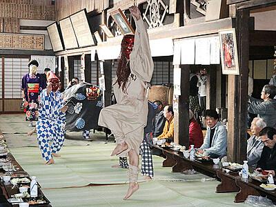 豊穣願い獅子舞奉納 魚津・小川寺で伝統行事「宮田」