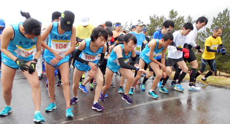 昨年の常願寺川マラソンに出場したランナーたち