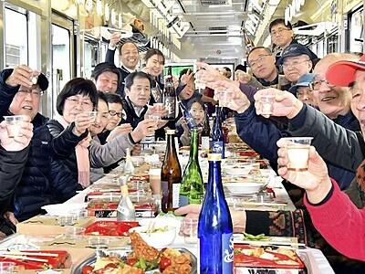 えちぜん鉄道で「熱燗電車」、車両内でほろ酔い気分 福井県、勝山永平寺線で運行