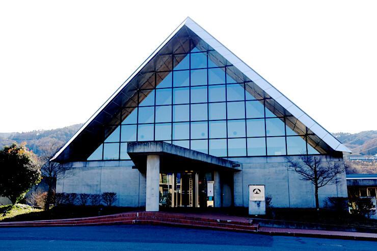 旅行会社などの投票による観光・食事部門で6位になった諏訪市豊田の「SUWAガラスの里」