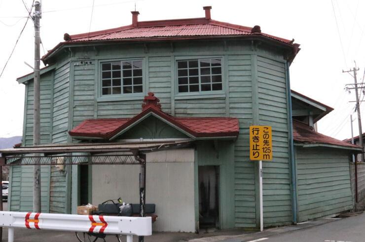 1921(大正10)年に建てられた平湯