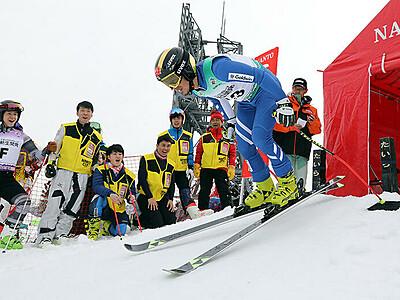 公式練習で調整、気持ち高める スキー国体16日開幕
