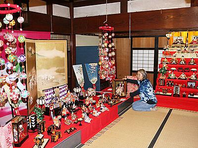 ひな人形寄付60組、29日から展示 新湊の勘兵衛はうす