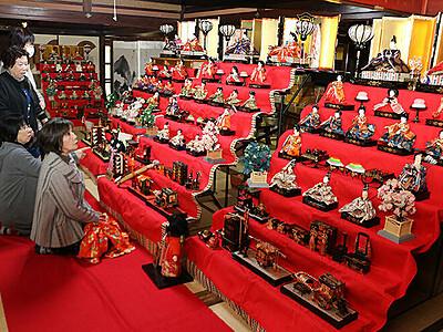 明治から昭和のひな壇並ぶ 滑川の国有形文化財施設でイベント