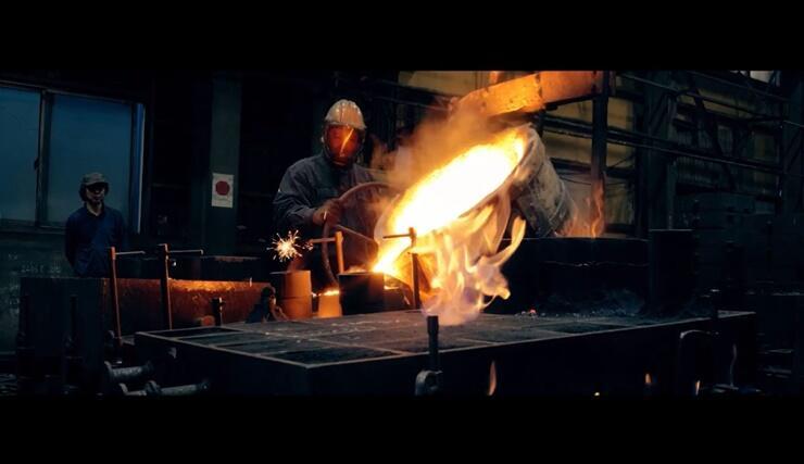鉄工業など長岡の産業を紹介する動画の一場面