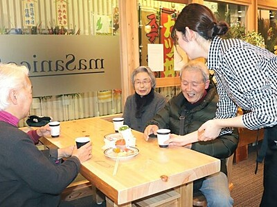 佐渡汽船両津港ターミナル カフェ改装 座席拡充
