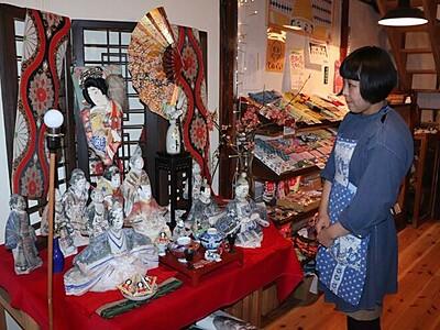 町を彩る、おひなさま 佐渡・小木で人形祭り
