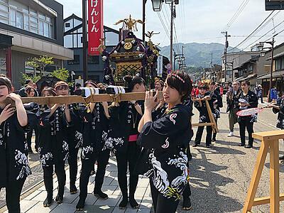 女性みこし担ぎ手募集 井波八幡宮、よいやさ祭り