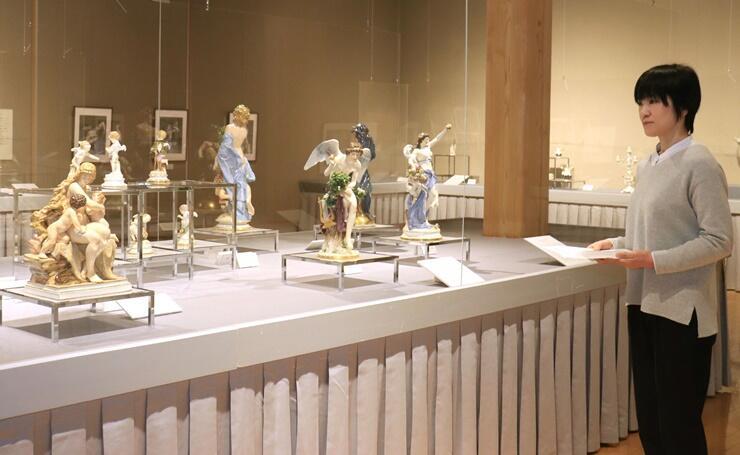 マイセンの磁器の歴史を紹介する収蔵品展=新潟市西区