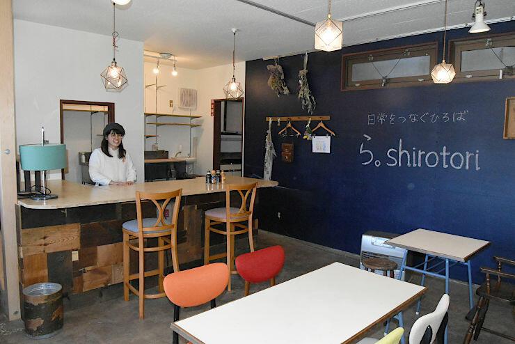 下諏訪町に4月中旬オープン予定の駅前交流情報拠点施設