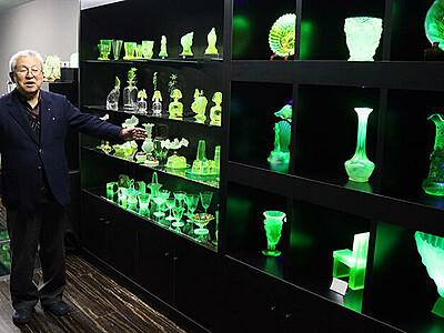 黄緑色の光が幻想的 高岡の新森さん、ウランガラス鋳芸館開設へ