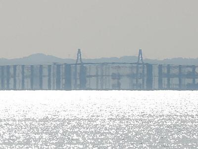 新湊大橋が3重に見える蜃気楼 魚津