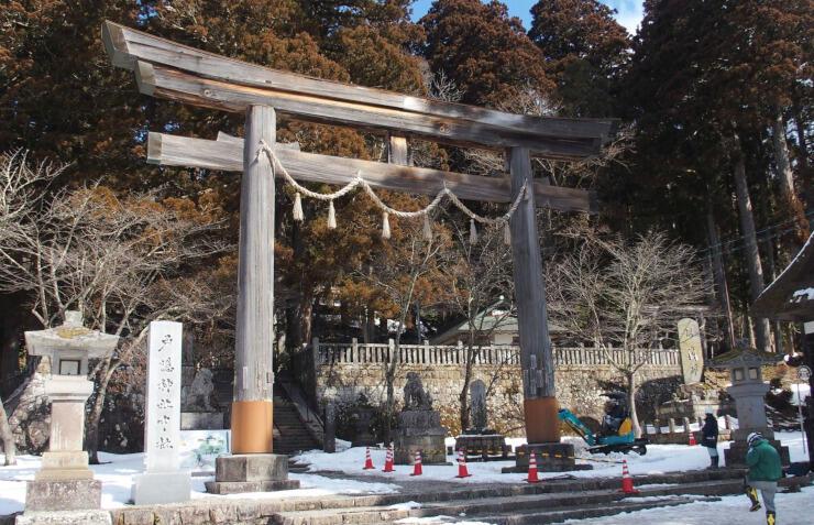 老朽化した戸隠神社中社の大鳥居
