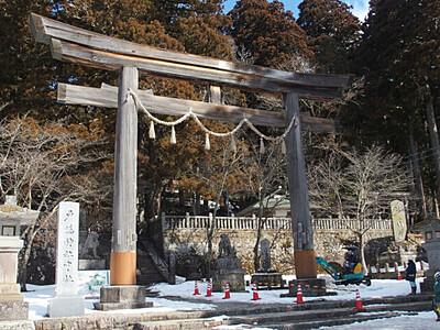 戸隠神社中社の大鳥居建て替えへ 材木加工の見学会計画