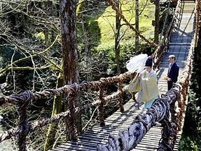 福井・池田 かずら橋10年ぶり新装 28日から通行可能