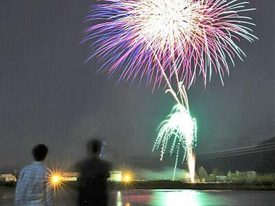 こどもの日 上を向いて 飯島に拠点ある2社、花火打ち上げ
