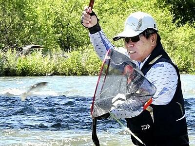 アユ釣り「今年は期待」 福井県大野市の真名川、九頭竜川で試し釣り