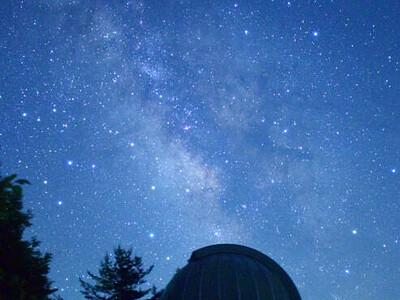 星空観察の適地 飯田の私設天文台、存続の危機