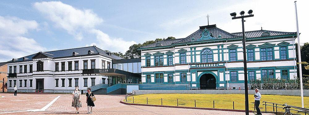 10月24日開館の方向で調整が進む国立工芸館=金沢市出羽町