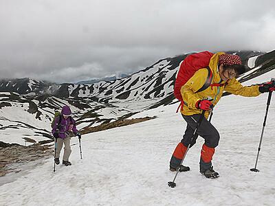 雪残る絶景 いざ雲上へ 立山夏山開き