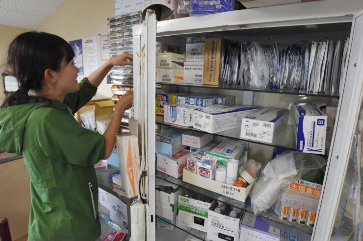 燕岳近くで順天堂大が運営する診療所の昨年の様子。今夏も開設を決めたが態勢縮小の可能性もあるという=昨年8月