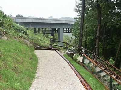 天竜峡、歩いて1周可能に 遊歩道「龍東道」が完成