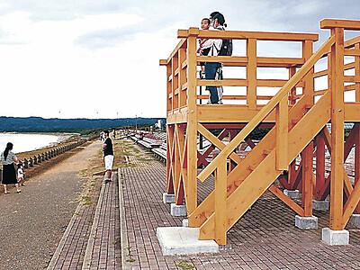 「世界一長いベンチ」に展望デッキ 志賀・増穂浦海岸