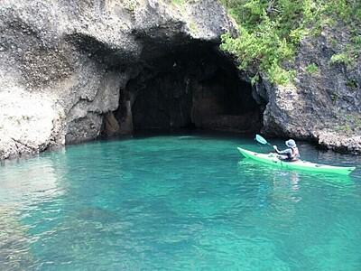 青の洞窟...佐渡・竜王洞「まるで海外」全国2位