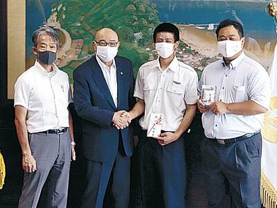 「甲子園で全力プレー」 航空石川ナイン、輪島市長を訪問