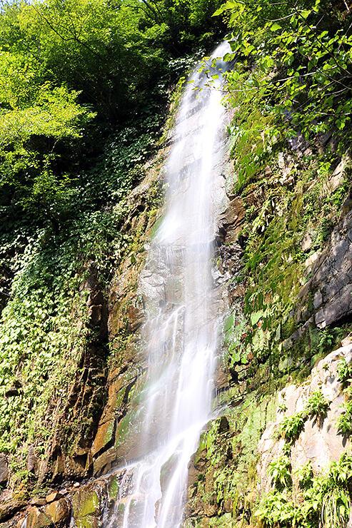常虹の滝の一つ、蛇歯見の滝