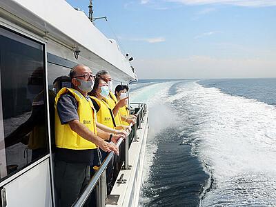 富山湾遊覧船に新航路 滑川-氷見間でモニターツアー