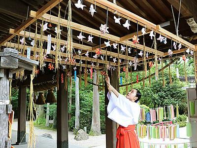 風車250個、神職・みこら手作り 南砺・高瀬神社