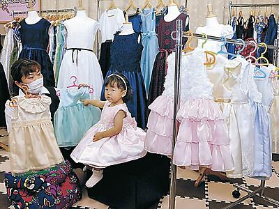 地元産生地で華やかドレス 中能登の女性団体