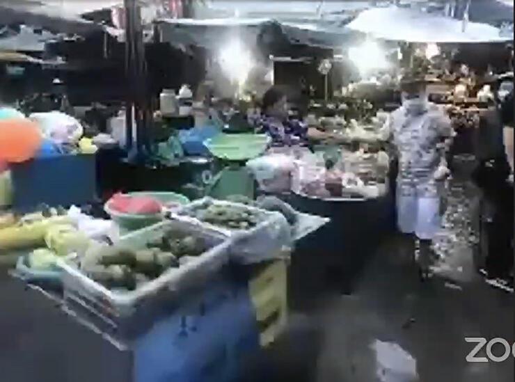 ベトナム・ホーチミンの市場からの中継映像