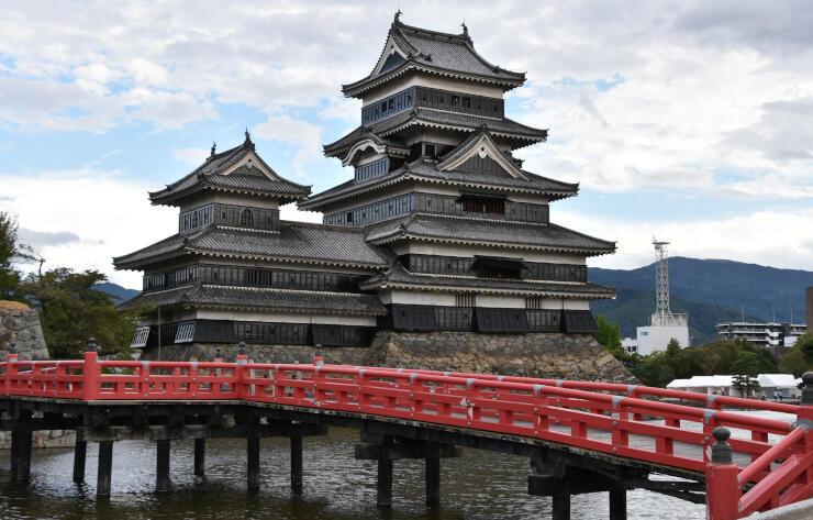 英語で「タワー」と表現する外国人が多かった松本城天守