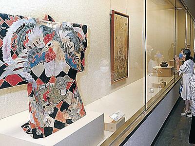 石川県立美術館 加州刀、古九谷が一堂に