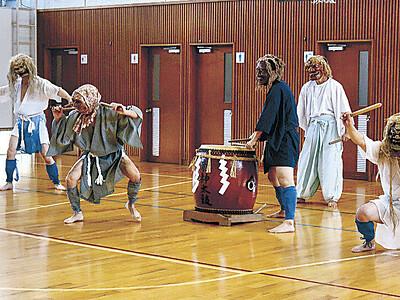 20年ぶり「龍神太鼓」 珠洲・上戸地区、秋祭りに合わせ