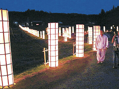 ろうそくで集落照らす 志賀・長田で萬燈祭