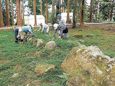 石塁残る調度丸で発掘 七尾城跡、本格調査に着手