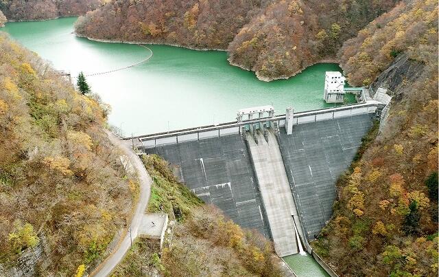 選奨土木遺産に認定された福井県大野市の笹生川ダム(福井県提供)