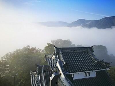 「天空の城」から雲海眺めて 大野城を午前6時開館に