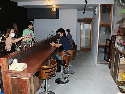 廃れたビル おしゃれカフェに 女性2人で改修、高岡中心部に開店