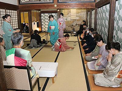 江戸時代の公家訪問、茶会で再現 高岡・勝興寺