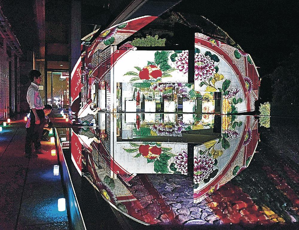 昨年のクタニズムでは美術館に九谷焼の絵柄が投影された=昨年9月、能美市の九谷陶芸村