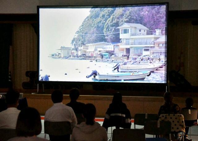 常神の風景が多く登場した「常神バルカローレ」の上映会=10月17日、福井県若狭町リブラ若狭