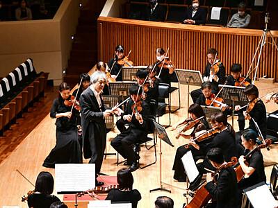 50人「運命」勇壮に 佐久室内オーケストラ軽井沢で定演