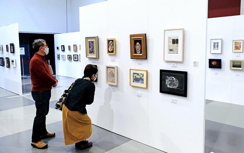 個性豊かな作品が並ぶFUKUIサムホール美術展=あわら市金津創作の森美術館