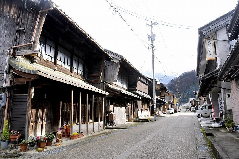 江戸時代に宿場町として栄え、当時の町並みが残る今庄宿=12月11日、福井県南越前町今庄