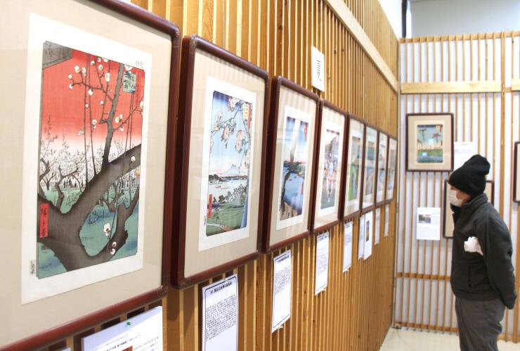 江戸時代の情景を描いた「広重の名所江戸百景展」=新潟市西蒲区